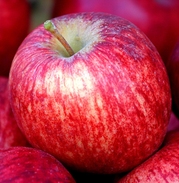 Apple a Day Keeps the Dentist Away: 7 Cavity-Fighting Foods