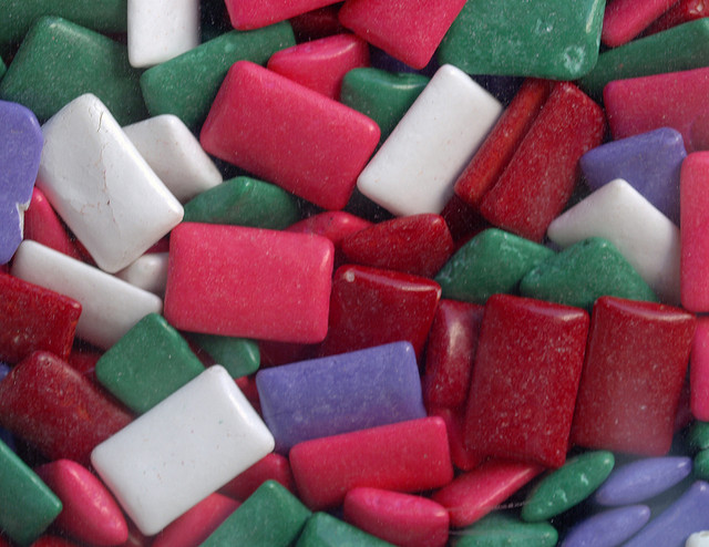 lots of mixed pieces of chewing gum