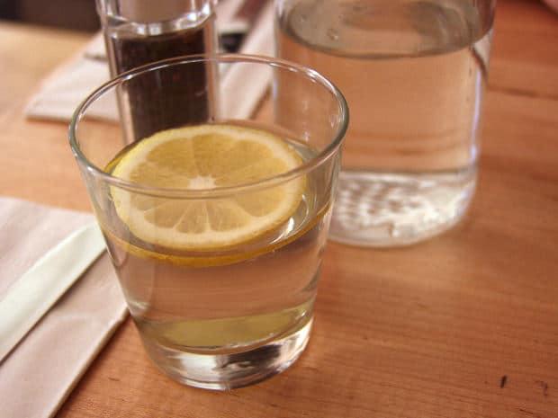 water helps eliminate bad breath