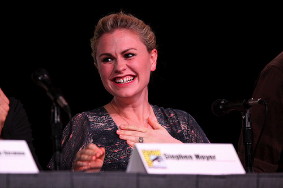 Anna Paquin smiling